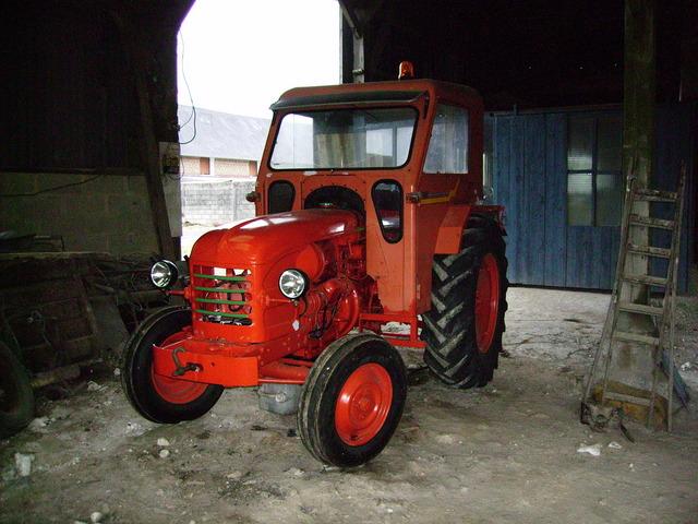 le petit tracteur qui me reste  Mtdpdc