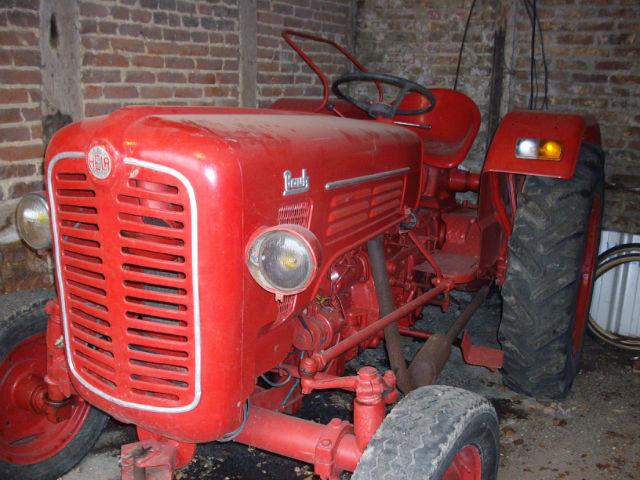 le petit tracteur qui me reste  Zy4rde