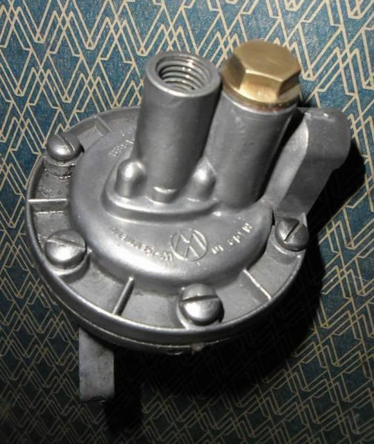 pompe à essence pour pied moulé état comme neuf Gc4v99