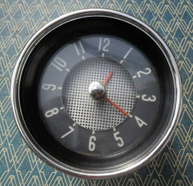 horloge V.D.O pour cox ovale (a faire reparer !) Mshjke